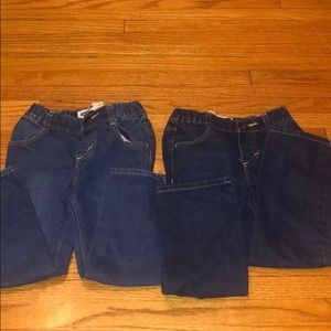 Bundle of 4T Old Navy Jeans.